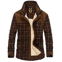 männer sind lange jacken großhandel-100% Baumwolle Liner Fleece Freizeithemd Herren Winter Dicke Wolle Turn Down Plaid Hemden Mantel Herren Langarmhemd Military Jacken T4190617