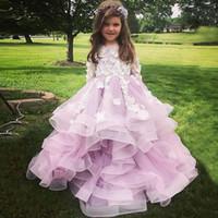 çocuklar katmanlı prenses elbisesi toptan satış-Uzun Kollu Ile prenses Kızlar Pageant Elbiseler 3D Çiçekler Katmanlı Toddler Çiçek Kız Elbise Pembe Aplikler Tül Küçük Çocuklar Doğum Günü törenlerinde