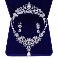 brincos para colar venda por atacado-Acessórios De Casamento De Diamantes Crows Wedding Acessórios Da Jóia Da Dama De Honra Acessórios De Noiva Conjunto Com Caixa (Coroa + Colar + Brincos)