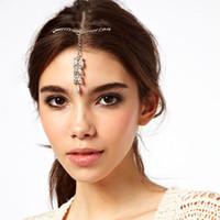 accessoires de cheveux de strass indien achat en gros de-Élégance Strass Mariée Chaîne De Cheveux Front Headpiece Cristal De Mariage Indien Tête Bijoux Pour Filles Femmes Cheveux Accessoires