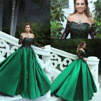 vestidos de noite preto esmeralda venda por atacado-2019 Vintage Verde Esmeralda Preto Lace Mangas Compridas Prom Vestidos de Festa Fora Do Ombro Uma Linha Oriente Médio Elegante Vestidos de Noite