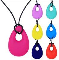 jouets en silicone pour filles adultes achat en gros de-Collier à mâcher silicone collier de dentition pendentif enfants jouets de dentition pour garçons filles adultes ovale (11 couleurs pour le choix)