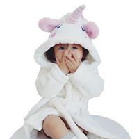 kapüşonlu bornozlar pijama toptan satış-Sevimli Unicorn Nightgowns Bebek Kız Bornoz Flanel çocuk Robe Kapşonlu Pijama Banyo Elbise Çocuk Gece Giyim Giysileri RRA1684