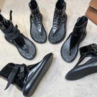 kauçuk kadın gerçek toptan satış-Lüks tasarımcı kadın Sandalet Roma ayakkabı Perçin Gladyatör moda yüksek top 100% gerçek Deri plaj ayakkabı Kauçuk taban