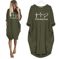 mulheres do tshirt do amor venda por atacado-Nova Moda Fé Amor Esperança Cartas de Impressão Bolso T-shirt Para As Mulheres T-shirt Das Mulheres Top Tshirt Streetwear Femme Cortada Verão Tops Y19060601