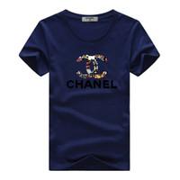 yeni rahat gömlek tasarımları toptan satış-Yeni Sıcak Satış Erkek Kadın T-Shirt Moda Yaz Kısa Kollu Klasik Tasarım Baskı Elbise Unisex Rahat T Gömlek C133