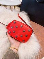 crossbody kameratasche frauen großhandel-19SS Paris Neue Damen Liebe Kameratasche Weibliche Umhängetasche Umhängetasche Süße Mode Frauen Umhängetaschen Luxus Designer Handtaschen Saint
