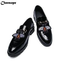 i̇talyan patent elbise ayakkabıları toptan satış-Erkekler Kalın Alt Rugan Elbise Ayakkabı Lüks İtalyan Tarzı Moda Erkekler Resmi Ayakkabı Erkekler Eğilim Arı Desen Deri Ayakkabı