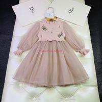 ingrosso abiti ricamati di denim-Le ragazze vestono abiti firmati per bambini autunno maglione cuciture maglia abito ricamato in rilievo manica manica lanterna notizie