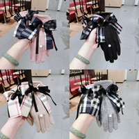 Wholesale woman mittens resale online - Women Winter Plaid Gloves Grid Pattern Touch Screen Mittens British Bowknot Finger Gloves Outdoor Thickened Cashmere Glove GGA2636