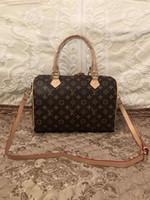 popüler çanta tasarımcıları toptan satış-Popüler stil 2018 yüksek kaliteli bayanlar deri çanta tasarımcısı moda Messenger çanta kadın omuz çantası popüler çanta Hiçbir ...