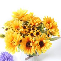 ramos de boda artificiales amarillos al por mayor-Flores de Seda Artificial Girasol Para La Decoración Del Hogar Amarillo Gran Tela Falsa Cabezas de Flores Ramo de La Boda Pequeñas Flores Decoración