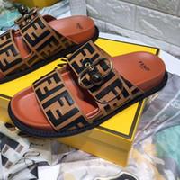 erkek çocuklar için çizme terlikleri toptan satış-İtalya Marka Terlik Tasarımcı Sandalet Tasarımcı Slaytlar Hayvan Tasarım Çevirme Loafer'lar Sneakers Kadın Çizmeler Rahat Ayakkabılar erkek ayakkabı