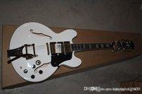 335 beyaz toptan satış-Ücretsiz nakliye 2014 yeni beyaz elektro gitar ES-335 caz büyük rocker 3piece altın pikap Gülağacı klavye gitar