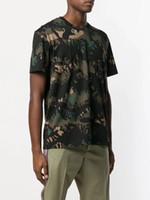 kamuflaj askeri gömlek toptan satış-Bahar ve yaz yeni popüler logo askeri kamuflaj mektuplar yuvarlak yaka kısa kollu T-shirt erkekler