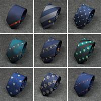 stickmuster mode großhandel-Neue Vielzahl von Männern Krawatte Mode Diagonale Streifen Persönlichkeit Stickerei Farbabstimmung Bienenmuster Wilde Krawatte Männer Formal Business
