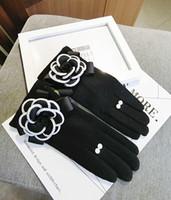 luvas de escritório venda por atacado-Cashmere Grosso Soft Touch Luvas de tela morno mulheres à prova de vento inverno Mittens Ladies Casual envio Escritório Guantes Luva Mittens