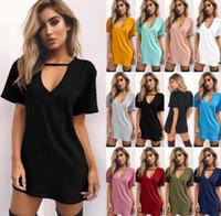 gehangen hals sexy großhandel-Europäische und amerikanische Art und Weise reizvoller 2019 heißer neuer Normallack V-Ansatz hängender Ansatz hohler kurzärmliger Kleid T-Shirt Rock