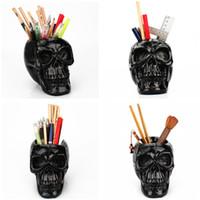 ingrosso contenitori da scrivania-Makeup Brush risolvere strumenti di scheletro del cranio del contenitore della penna di personalità scrivania resina scultura portapenne domestica ornamenti T9I00131