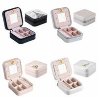 caja de joyas collares al por mayor-Protable PU Cajas de Almacenamiento de Joyas Mini Joyas Cuadradas Colección Organizador Pendientes Collar Anillo Caso Accesorios de Viaje Titular TTA1180