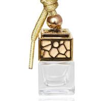 auto aroma flasche großhandel-Parfümflasche Cube Car Hanging Parfüm Ornament Lufterfrischer Ätherische Öle Diffusor Duft Leere Glasflasche 5ml 4color GGA1480