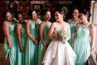 vestidos de dama de honor verde africano al por mayor-Venta caliente Mint Green Damas de honor vestidos para bodas de verano African A Line Sheer cuello gasa hasta el suelo Maid of Honor Gowns Plus Size