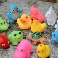 kauçuk bebek çocuk toptan satış-Bebek Banyo Oyuncakları Su Yüzen Bebekler Hayvan Karikatür Hayvan Çocuk Swiming Plaj Kauçuk Oyuncak Çocuklar Hediyeler