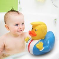 banyo oyuncakları ördekler toptan satış-Trump Ördek Banyo Oyuncak Duş Su Yüzen Kauçuk Ördek Bebek Su Oyuncak Çocuk Duş Küvet Oyuncak LJJK1178