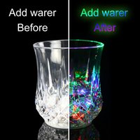 ingrosso luce automatica di natale-LED Automatic Flashing Cup, Light Up Mug Wine Beer Glass Whisky Shot Drink Cup per Natale, Party, Bar Club,