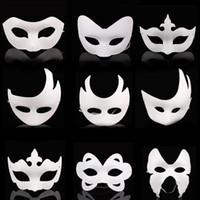 ingrosso disegno carta per i bambini-Maschere a mano fai-da-te maschera di carta dipinta Halloween maschera viso bianca corona farfalla maschera in bianco cosplay blan kid disegnare maschere da festa puntelli FFA2609