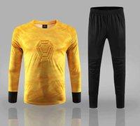 chándal de hombre amarillo al por mayor-Jersey de portero de fútbol Pantalón corto de fútbol amarillo Camisas chándal del portero uniformes de los hombres de la hija de camisas y pantalones de entrenamiento deportivo