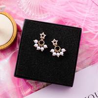 kleine süße ohrringe großhandel-Korean Fashion Sweet Kleine Zirkon Pentagram Stern Simulierte Perle Anhänger Ohrstecker für Frauen Strass Ohrring Ohrschmuck