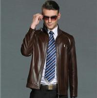 chaqueta de cuero marrón hombres venta al por mayor-2020 ventas del fabricante de otoño de la chaqueta de cuero de invierno los hombres collar de caballero capa de cuero masculino de cuero ocasional ropa Negro Marrón