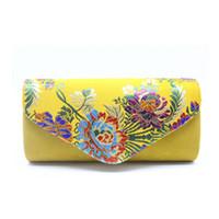 замшевая желтая муфта оптовых-Старинные замшевые клатчи Свадебные вышитые цветочные сумки на ремне с ремешком Вечерние сумочки женские желтые клатчи Femininos