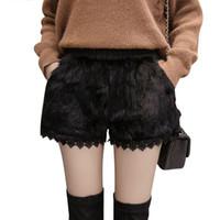conejo negro corto al por mayor-New high street pantalones cortos de piel de conejo real invierno pantalones cortos de lana térmica moda remiendo de encaje pantalones cortos negros