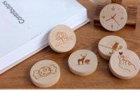 yuvarlak şişeler toptan satış-Sıcak Son Ahşap Yuvarlak Şekil Şişe Açacağı Coaster Dolabı Magnet Dekorasyon Bira Açacağı Sizin Logolu