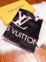 bufandas de seda de gran tamaño al por mayor-Tapa de la manera bufanda de seda para las mujeres 2019 cheque grande de gran tamaño bufandas bufanda Infinity decoloración 180x70cm