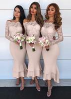 robes de sirène pour mariage achat en gros de-Charmante dentelle robes de demoiselle d'honneur de sirène 2019 longueur de la cheville robes de demoiselle d'honneur d'épaule à manches longues à volants jupe robe de mariée
