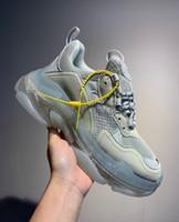 sapato de tenis feminino rendas venda por atacado-Personalidade de Paris de Cristal Inferior Triple-S Sapatos Casuais de Luxo Pai Sapato Plataforma Triplo S Sneakers para Homens Mulheres Lace Up Dust Bag Tênis