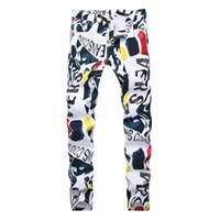 ingrosso jeans stretti-Jeans da uomo elasticizzati moda stampa lettere bianche uomini slim fit pantaloni casual elasticizzati Pantaloni slim denim stampati 2019 Nuova marca