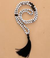 ingrosso nero onice mala-Questo splendido Mala Prayer Beads è accuratamente fatto a mano con 108 perle naturali di Howlite e Black Onyx Stone e un bellissimo bla
