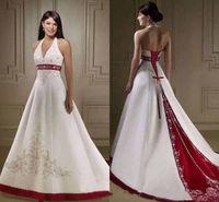 vermelho vermelho casamento vestido varredura trem venda por atacado-Vintage Vermelho e Branco Lace-up Espartilho Vestidos de Noiva 2020 Halter Lace Bordado Frisado Mancha Jardim Sweep Train Vestido de Noiva Casamento