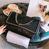modelos de botones al por mayor-Nuevos bolsos de lujo Bolsos de hombro de moda bolso de diseñador liso Diamante enrejado Botón de oro Bolsos de diseñador tamaño 35 cm modelo liao0611