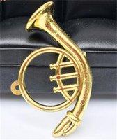 mini saxofone venda por atacado-Casa de boneca de Plástico Saxofone Violino Tubo Curvo Ornamento Mini Instrumento Crianças Modelo Brinquedos Cena Acessórios Banhado A Ouro 1 5ws O1