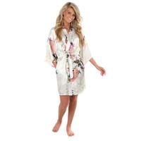 ingrosso yukata bianco-Sexy bianco stampato Mini abito di seta femminile Rayon Kimono Yukata Night Dress Gown Fiore pavone S M L Xl Xxl Xxxl A108