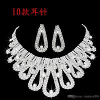 collares de joyería de la boda al por mayor-2019 Diseñador Perla Romántico Con Cristal Barato Dos Piezas Pendientes Collar Rhinestone Conjuntos de Novia de Boda Conjunto de Joyas Joyas