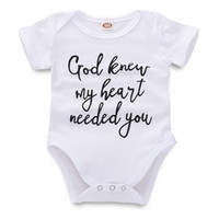 9014b41a0 Recém-nascido Macacão Macacão de Bebê Infantil Bebê Menina Menino Roupas de  Grife Carta Impressa Branco de Manga Curta Criança 43