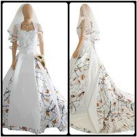 véus de noiva trens venda por atacado-Vestidos de casamento branco e de cetim com véu 2019 A linha de impressão de renda Applique pescoço quadrado mangas vestido de noiva robe de mariée com trem da corte