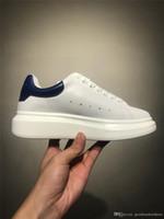 обувь для сауны оптовых-Alexander McQueens С Коробкой Chaussures Fashion Luxury Designer Белое Черное Обуви Платье De Luxe Кроссовки Повышение Мужчины Женщины Повседневная Обувь