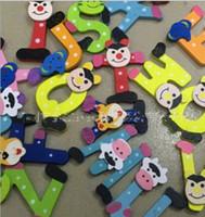 refrigerador de madera para niños al por mayor-Aprender Juguetes de madera del alfabeto magnéticas coloridas frigorífico a-z Letras de madera refrigerador de la historieta Imanes 26pcs Educación niños y regalos Juguetes